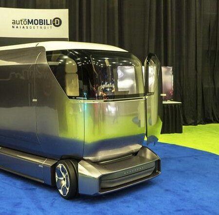 В Детройте разработали роботизированные грузовики для доставки почты